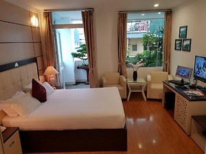 Premier Double Room, Balcony, City view
